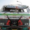 インドのトラックは装甲ぺらっぺら。すぐへしゃげる