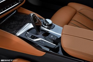 p90237326_highres_the-new-bmw-5-series