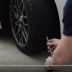 【動画】ランフラットタイヤに釘で穴を開けて走ってみた